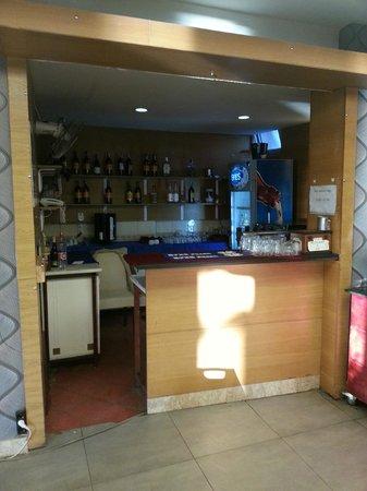 Mehtap Beach Hotel : bar    lol