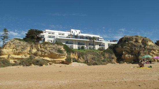Hotel Alisios vom Strand aus gesehen