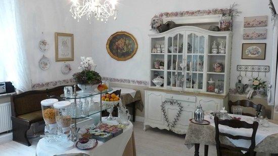 Villa Romantika: Frühstückszimmer
