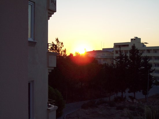 Tuntas Suites AltInkum: sunset from our balcony