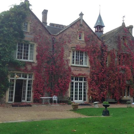 Maunsel House: The Entrance