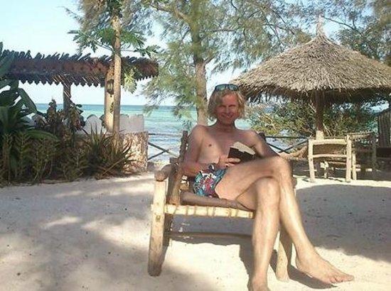 Seasons Lodge Zanzibar : Relaxen, irgendwo zwischen Pool und Strand