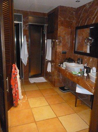 Catalonia Riviera Maya : Our Bathroom