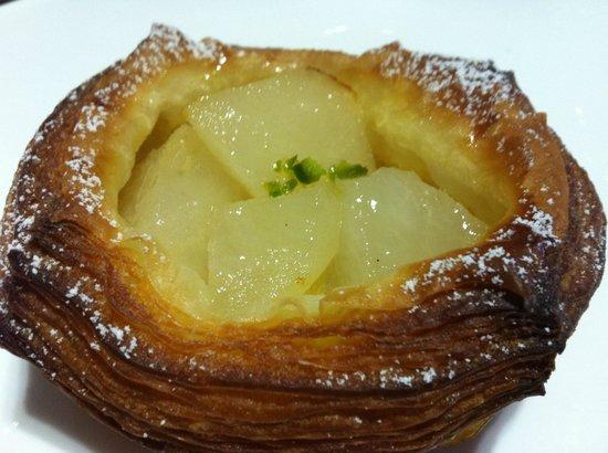 Boule Beurre Boulangerie : Boule Beurre Pear Pastry