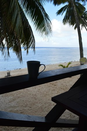 Rarotonga Backpackers: Breakfast on our private palm-fringed balcony-wonderful!