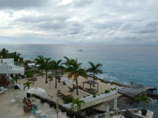 Hotel B Cozumel: Zona solarium.
