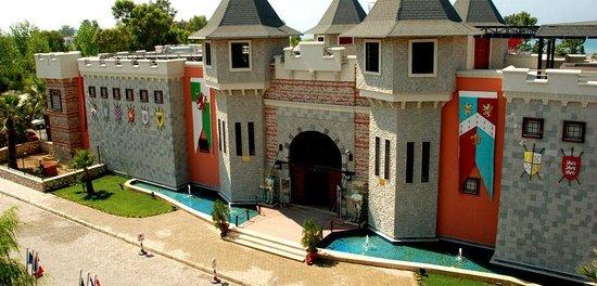 Yali Castle Aquapark: Eingangsportel