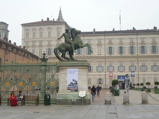 One day in turin travel guide on tripadvisor - Torino porta nuova metro ...