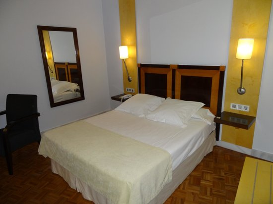 Don Curro Hotel : Room 404, very comfortable bed