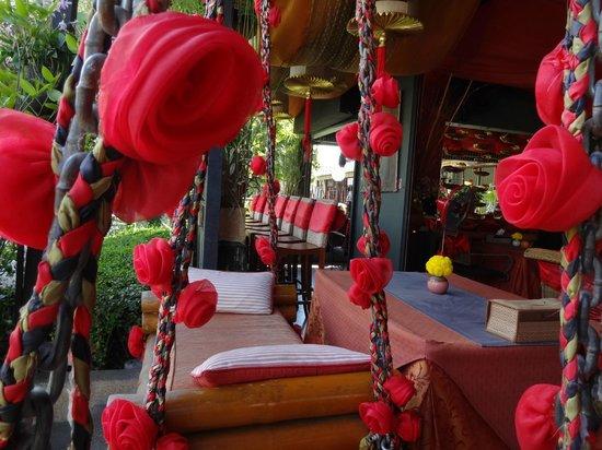 Attractive The Red Hot Chilli Restaurant And Bar: Man Kann Auf Schaukeln Sitzen, Wenn  Man