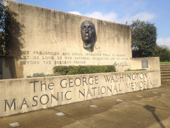 George Washington Masonic National Memorial: exterior sign