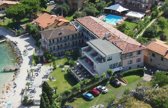 Hotel Castello Lake Front: Blick von der Burg