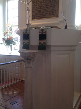Alexandria's Christ Church : baptismal close up