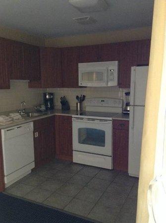 Wyndham Newport Onshore : kitchen in 2 bedroom unit
