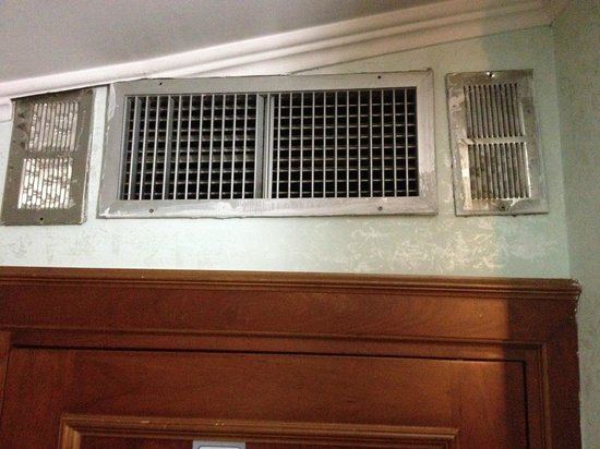 Hotel Grifo: Dirty vents