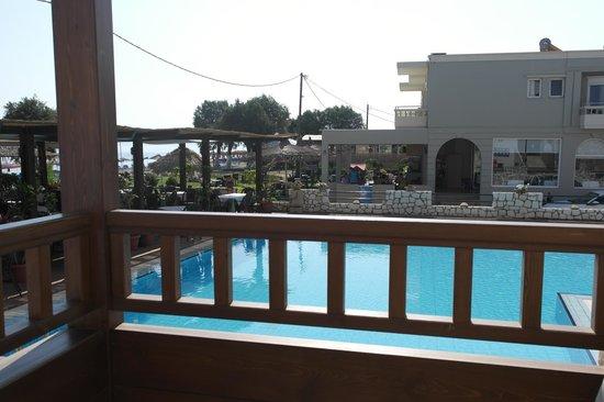 Hotel Erato : Utsikt fra balkong i 1. etg