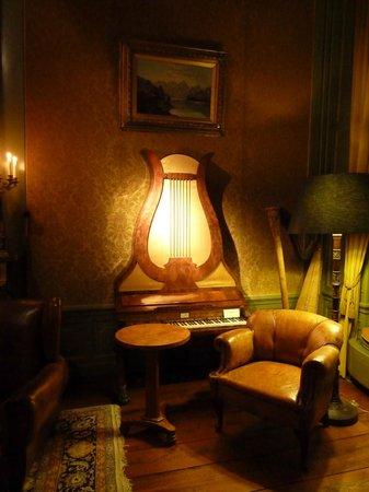 Museum Geelvinck Hinlopen Huis: Piano