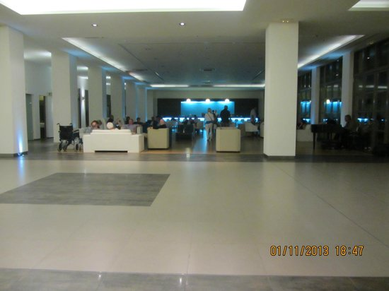 Astir Odysseus Resort & Spa: wi fi & seating area in hotel