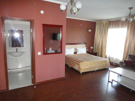 Kharkorum Hotel: Номер Люкс