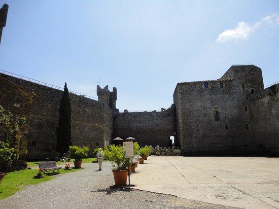 Borgo Scopeto Relais: interior courtyard