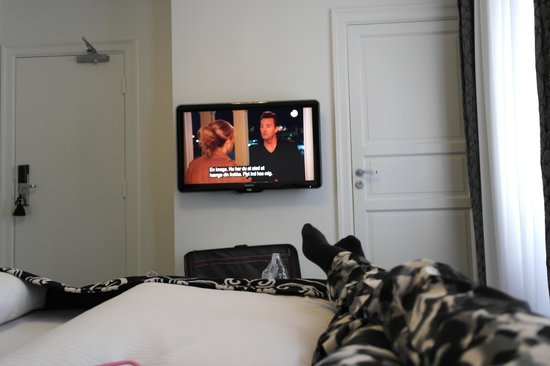 Hotel SKT. Annae: TV og baderomsdør