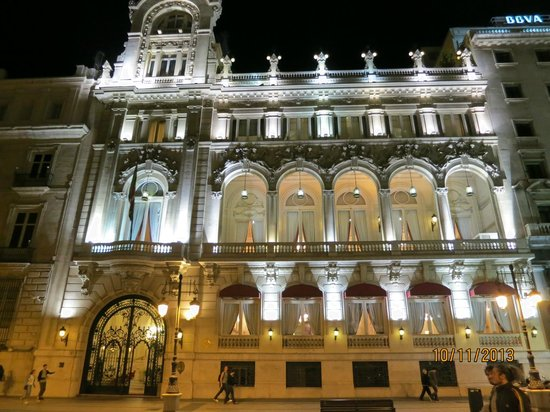 El casino de madrid fotograf a de puerta del sol madrid for Puerta 23 bernabeu