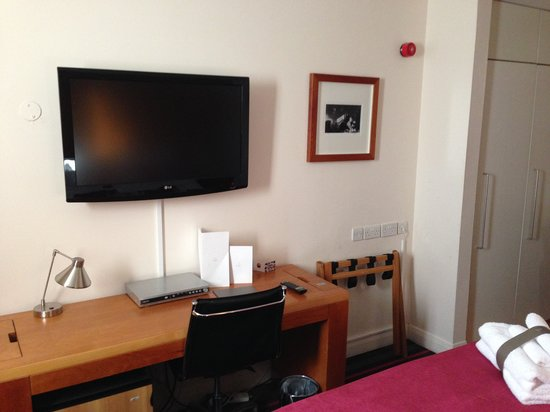 Apex Haymarket Hotel : Our room
