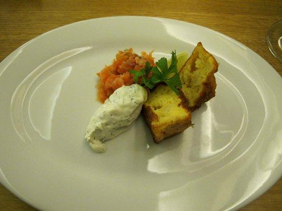 Brabander Restaurant : soufflé di formaggio erborinato e salmone