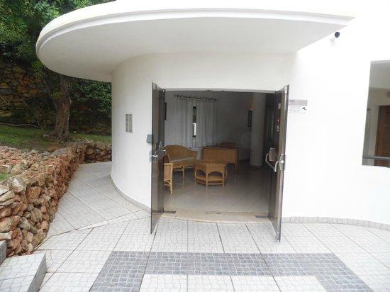 Cerro Mar Atlantico Touristic Apartments: Enterance to Atlantico building 3