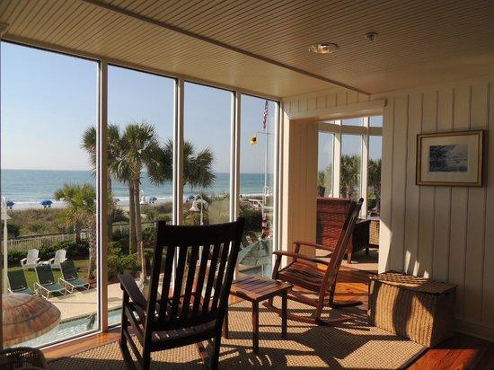 Hampton Inn & Suites Myrtle Beach/Oceanfront: Hotel & Hotelgelände