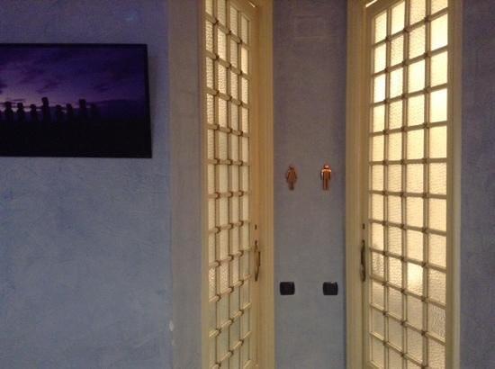 La Lluna Restaurant : los baños