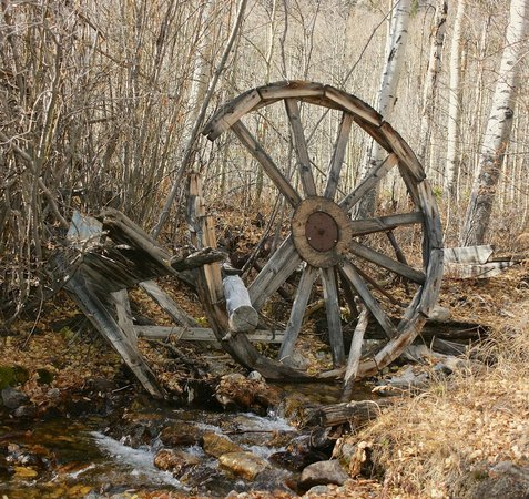 Mount Elbert Lodge: Waterwheel