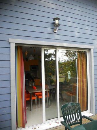 Relais du Plessis Resort: baie vitrée sur terrasse