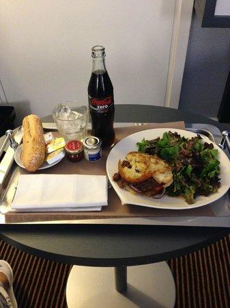 Mercure Massy Gare TGV : Room service