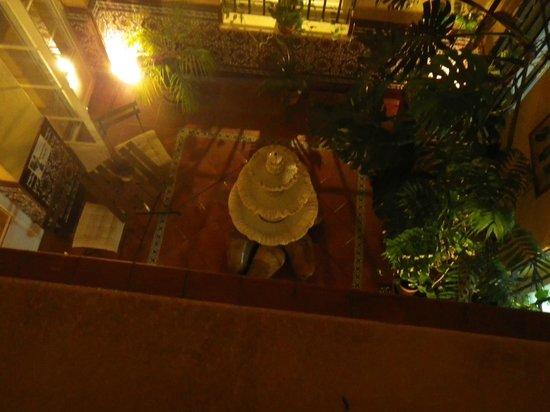 Hotel Adriano Sevilla : einer der Innenhöfe