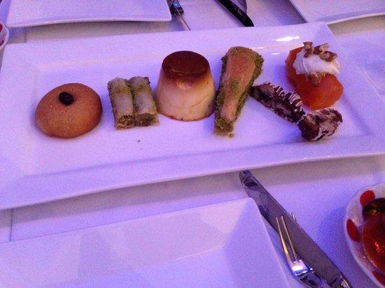 Turkish Village Restaurant & Cafe: Sweet platter