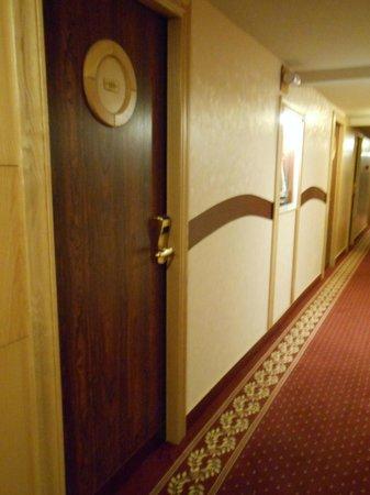 Hotel Restaurant de l'Ocean : Couloir façon bateau
