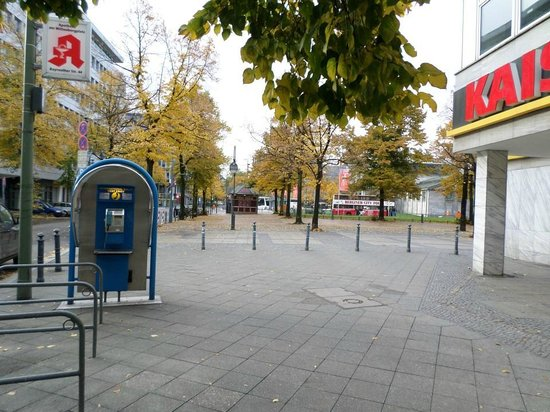 Ibis Budget Berlin Kurfurstendamm: Blick zum Wittenbergplatz