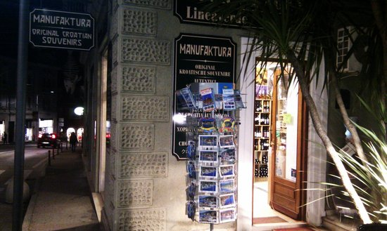 Manufaktura Souvenirs: Stop by! :))