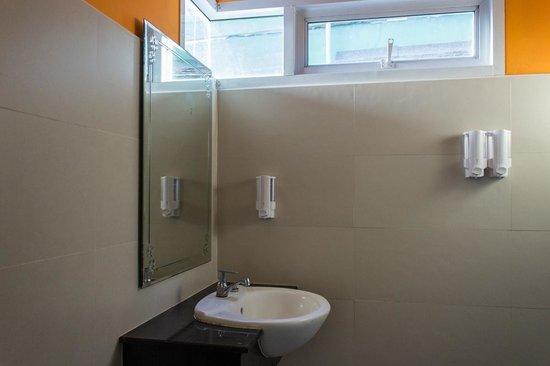 Pelegrin Hotel Samui: Room 5 (Pomape) bathroom