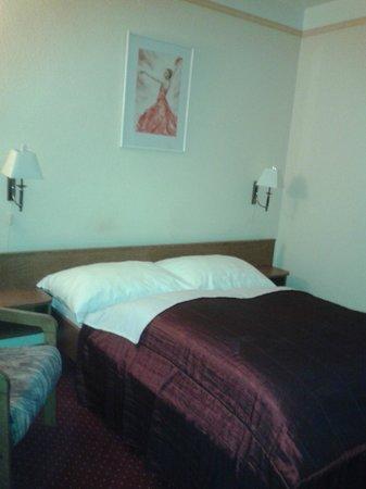 Hotel Amadeus: comfy bed