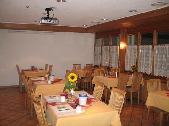 Hotel Restaurant Taucher: Breakfast Room