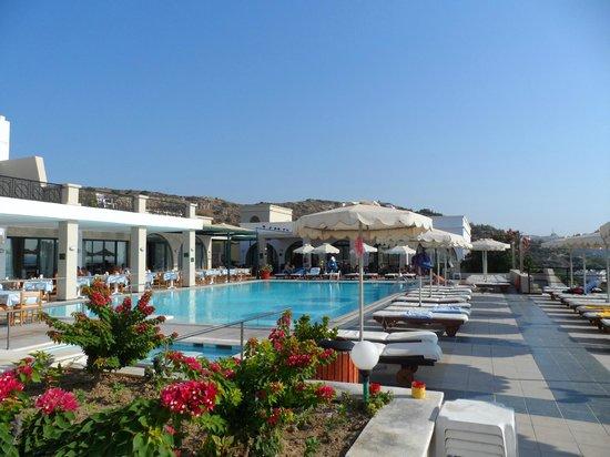 Vue piscine photo de calypso palace faliraki tripadvisor for Piscine calypso