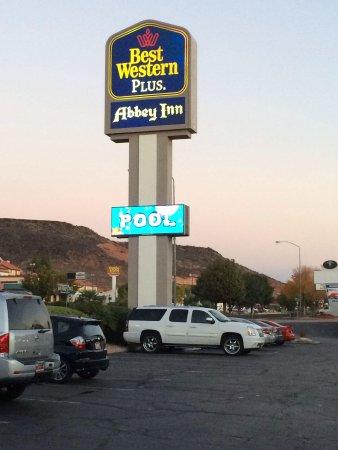 Best Western Plus Abbey Inn : We are here!