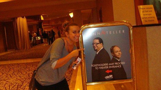 Penn & Teller : In the lobby
