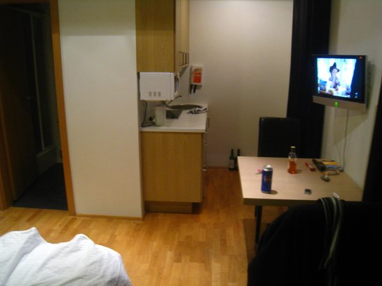 Einholt Apartments : Room 204 Studio