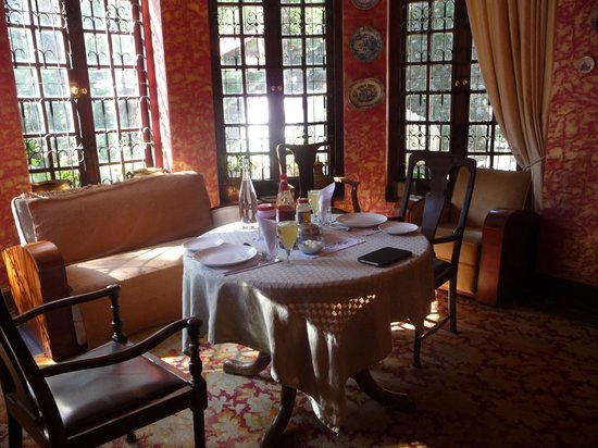 Abbotsford Nainital: Our table in the dining room