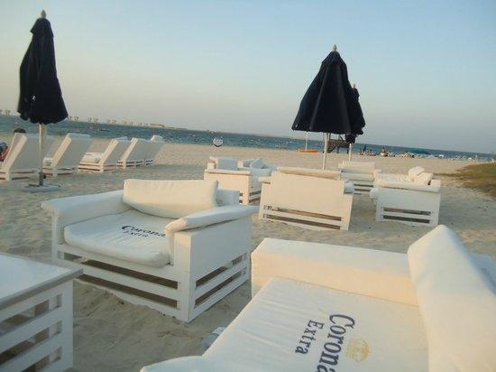 JA Palm Tree Court: Bar de la plage