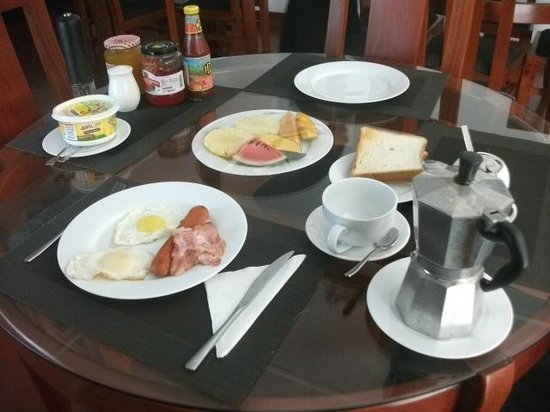 Anna Shanthi Villa: breakfast