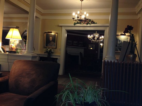 Inn at Lake Joseph: Looking into the formal dining room from one of the living rooms